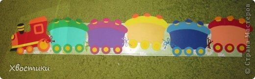 Попросили меня воспитатели сделать полочки для поделок из пластилина в садике. Я придумала сделать паровоз. фото 5