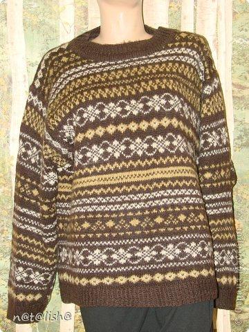 Пуловер связан спицами из 100% шерсти.  фото 2