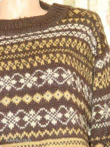Пуловер связан спицами из 100% шерсти.  фото 3