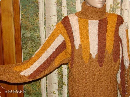 Пуловер связан спицами из 100% шерсти.  фото 4