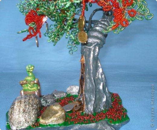 Все здравствуйте !Хочу сегодня показать 2 денежных деревца,которые сплела для дорогих мне людей.У моего мужа и близкой подруги День рождения завтра.Деревья еще не подарила,а хочется похвастать. фото 4
