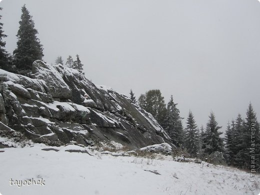 Здравствуйте, гости моей странички! Приглашаю Вас отдохнуть, расслабиться, полюбоваться осенними Карпатами, побывать в некоторых музеях. ТАК как район горный, высота над уровнем моря разная, погода соответственно тоже, мы за неделю смогли увидеть и осенние Карпаты, и зимние! Сначала  просто очарование гор фото 17