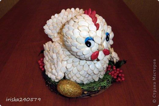 Поделки курицы из тыквенных семечек