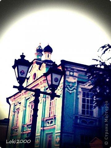 Недавно мы побывали в Казани. Казань - красивый город, расцведший буквально недавно.. Все впечатления не передать:-)  И я попробовала себя в новой технике:-)  Мне безумно понравились красные автобусы - у нас в Самаре таких нет, первой ассоциацией был Лондон. фото 5