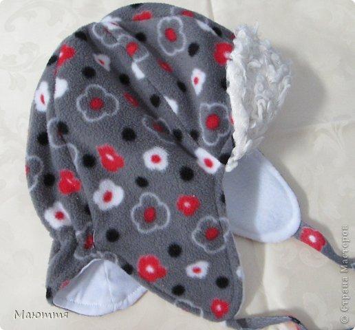 Решила я испробовать выкройку шапки-ушанки. Получилось маловато, но я добавила трикотаж на лоб и затылок, и вышло еще лучше, чем задумывалось))) фото 10