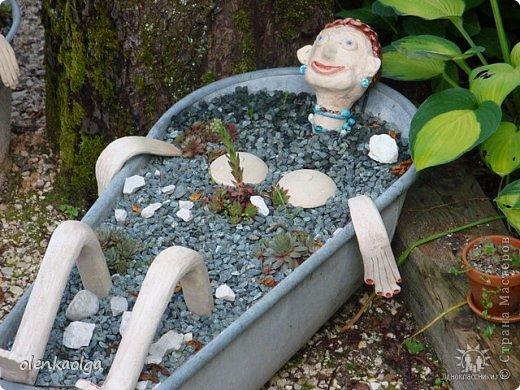 Такую вот идею я увидела в саду.Рядом был ещё мужчинка ванна но почемуто я его не сфотографировала