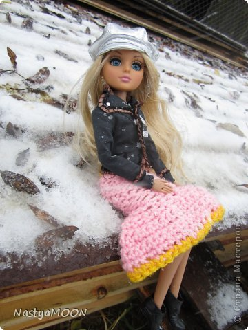 Приветики Страна!У нас сегодня радость) Мои красотули сегодня в первые увидели снег! И хочу вам сказать моим иностаночкам очень понравился белый ковер, который сегодня застелил все) фото 9