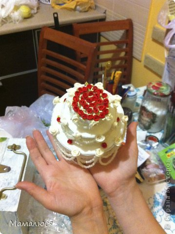 такой свадебный тортик был преподнесен сестре на свадьбу вместо  или как открытка для денег ))) сейчас расскажу...  извините за фон - такая была рабочая обстановка )) фото 5