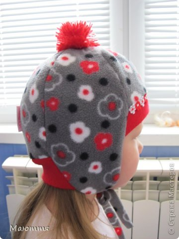 Решила я испробовать выкройку шапки-ушанки. Получилось маловато, но я добавила трикотаж на лоб и затылок, и вышло еще лучше, чем задумывалось))) фото 5