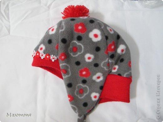 Решила я испробовать выкройку шапки-ушанки. Получилось маловато, но я добавила трикотаж на лоб и затылок, и вышло еще лучше, чем задумывалось))) фото 1