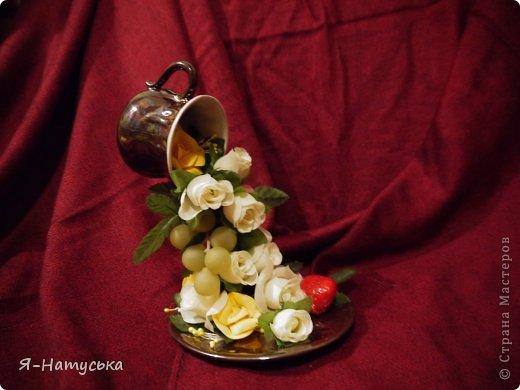 Моя первая парящая чашечка. Вдохновили меня чашечки Светланы https://stranamasterov.ru/user/95856. Решила попробовать. Но на мой взгляд для этих цветочков  маловата сама чашка. А Вы как думаете? фото 2