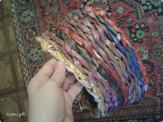 Коробочка плетение из газеты фото 5