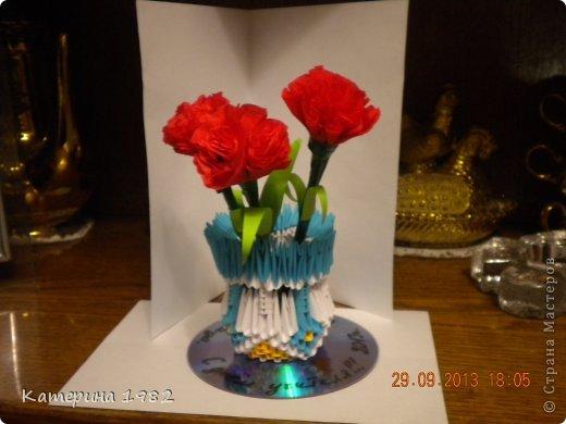 гвоздики в вазе фото 1