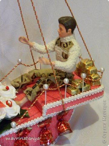 """Использовались конфеты: """"Raffaello"""", """"Осенний вальс"""", """"А.Коркунов темный с дробленым орехом"""", """"Пьяная вишня"""", шоколад """"Dove"""" с оригинальными пожеланиями, подарочный шоколад с пожеланиями. фото 4"""