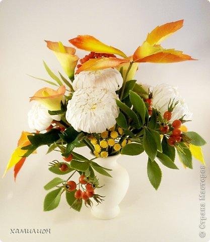 Всем жителям страны добрый вечер! Листала странички с работами и увидела прекрасный букетик с белыми хризантемами и розами. Тоже решила похвастаться. Вот такой букетик получился у меня.  фото 1
