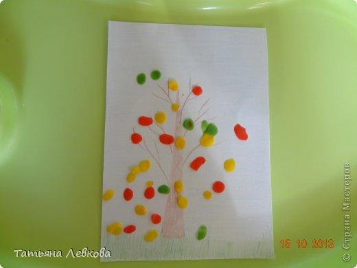 """Здравствуйте Жители СМ!!!Сегодня решила выставить творчество моей дочки Ириши,ей 1 год и 6 мес. Потихоньку начинаю и её приучать к творчеству.А это наши первые шедевры """"Осеннее дерево"""".  фото 2"""