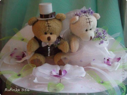 """Приветствую Вас, дорогие мастерицы!!! Встречайте жениха и невесту, хлебом-солью!!! Таких мишек я подготовила для посадки в букет молодым. Купила их """"голеньких"""" приодела- и вперёд, на свадьбу))) фото 2"""