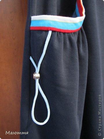 Впервые шила из трикотажа целое платье! ткань - интерлок.  Модель - статная, но платье сЕло очень хорошо. Уже видела в нОске, мне понравилось (хоть и не скромно))) - сдержано, с налетом спортивности, как заказчик и просил фото 6
