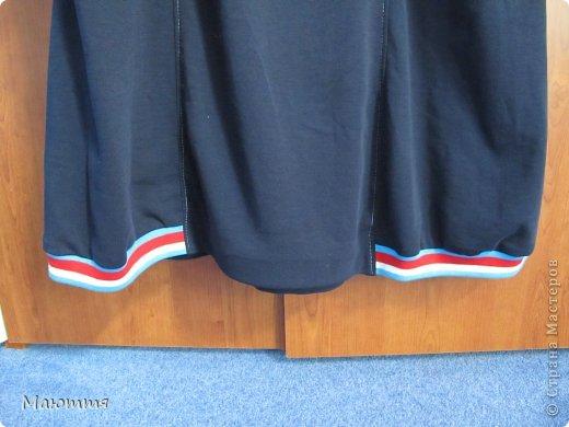 Впервые шила из трикотажа целое платье! ткань - интерлок.  Модель - статная, но платье сЕло очень хорошо. Уже видела в нОске, мне понравилось (хоть и не скромно))) - сдержано, с налетом спортивности, как заказчик и просил фото 7
