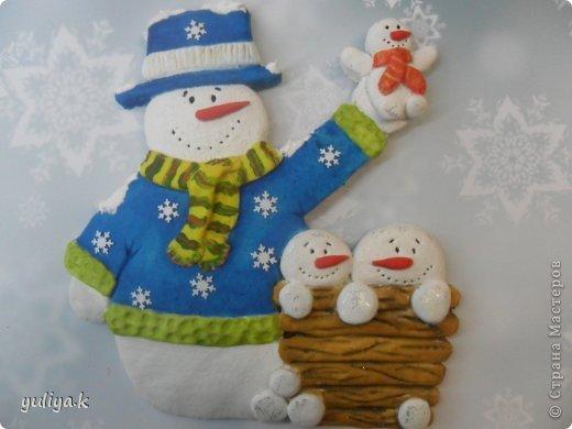 Всем привет!!!Хочу показать две идеи новогодних снежинок.Делаются довольно таки легко и затрат не много.                                      фото 25