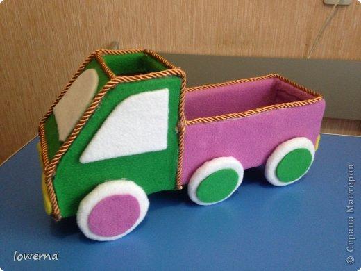 Машинка для хранения фломастеров.  фото 2