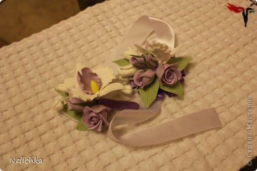 Свадьба, которая состоялась 13 сентября 2013 года. Каскадный букет невесты бело-фиолетовых оттенков из орхидей роз и фрезий. фото 16