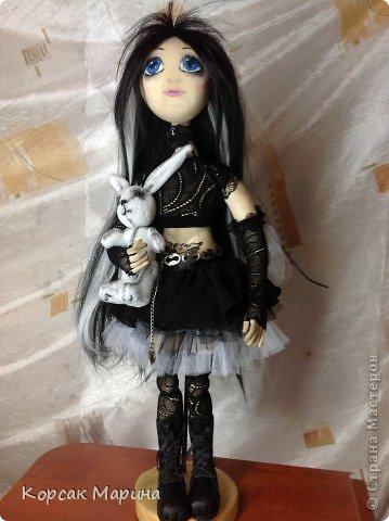 Идею пошива этой куклы вынашивала давно , а пошилась она практически на одном дыхании.Куколка шарнирно-каркасная .Ручки ножки двигаются , пальчики сгибаются. фото 1