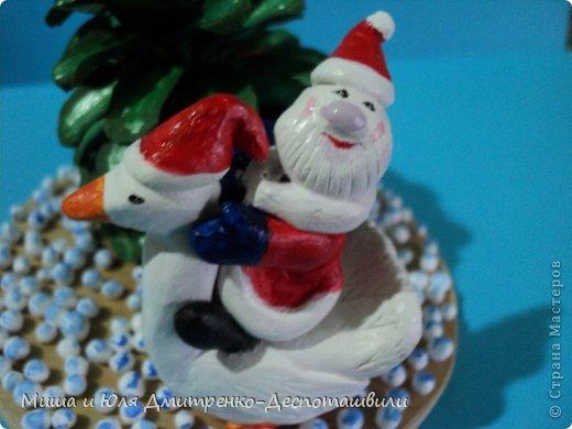 Дед Мороз уже так и шастает по Стране Мастеров, хоть за окном еще осень. Вот и ко мне заглянул. да как! На гусе! Наверное всем хотел донести, что настоящий Рождественский Гусь, это не тот, который на столе, а тот который в небе, помогает ему разносить подарочки фото 3