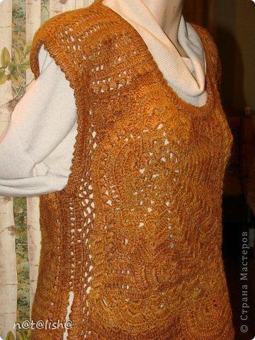 Жилет связан из шерсти в технике нерегулярного вязания крючком № 2,5. фото 4
