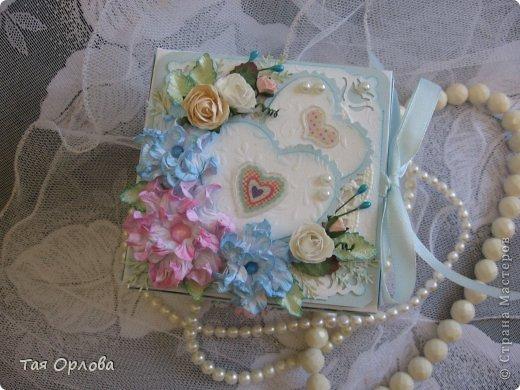 Приветик всем еще разок!На этот раз хочу показать коробочку для денежного подарка на свадьбу.Цветовая гамма -желание заказчицы. фото 2