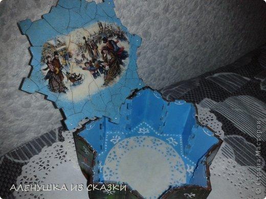 На крышке постаралась изобразить новогоднюю омелу акриловыми красками в технике one stroke фото 3