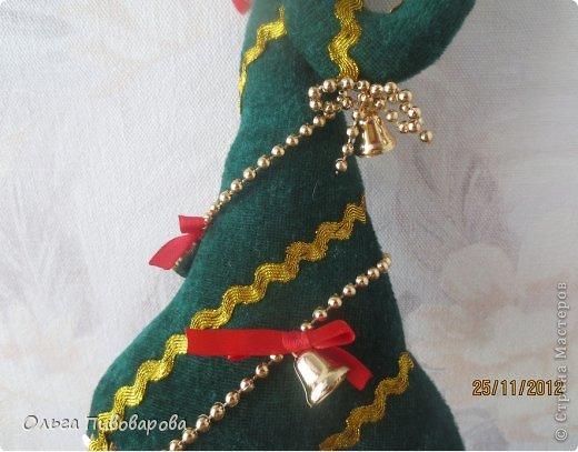 И снова здравствуйте! Я не оригинальна, всё тот же Санта, и олень, и снеговик, и ёлочка. Все игрушки по стандарту ТИЛЬДЫ. Это мои работы прошлого года. Всё равно хочется показать, похвастаться.... фото 6