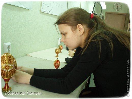 Выкладываю фотографии работ девочек из Нижегородского Епархиального училища. Это училище закончила моя дочь Радмила и теперь там же и работает.  Комментировать и подписывать не буду. Просто показываю, то , что собрала моя дочь для себя. http://vk.com/club62872133  ссылка на группу Епархиальной мастерской. фото 10