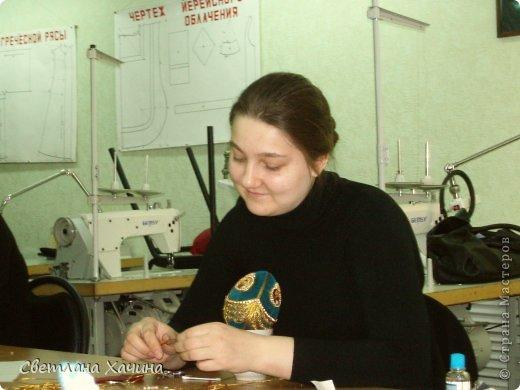 Выкладываю фотографии работ девочек из Нижегородского Епархиального училища. Это училище закончила моя дочь Радмила и теперь там же и работает.  Комментировать и подписывать не буду. Просто показываю, то , что собрала моя дочь для себя. http://vk.com/club62872133  ссылка на группу Епархиальной мастерской. фото 14