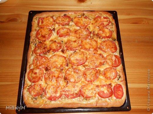 Ну, дорогие, садитесь поближе: наконец-то у меня выходной! Сегодня мы будем готовить две пиццы: с красной рыбкой и сервелатом  - одна вкуснее другой! А вот какая вкуснее - пусть каждый решит сам!  фото 25