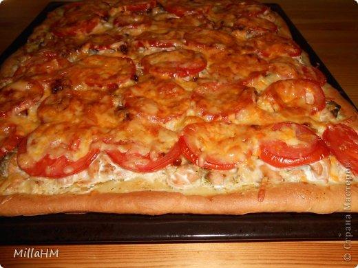 Ну, дорогие, садитесь поближе: наконец-то у меня выходной! Сегодня мы будем готовить две пиццы: с красной рыбкой и сервелатом  - одна вкуснее другой! А вот какая вкуснее - пусть каждый решит сам!  фото 23