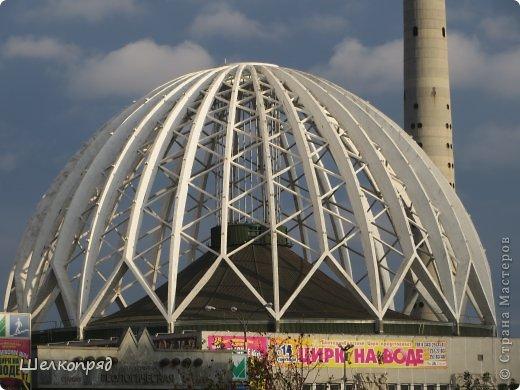 """""""Если вы не бывали в Свердловске,  Приглашаем вас в гости и ждём..."""" Помните, была такая старая песенка? А я очень давно не была в этом городе. Вот и выбралась наконец. Приглашаю и вас прогуляться со мной. Очень красивый цирк в Екатеринбурге. Необычная архитектура. фото 2"""