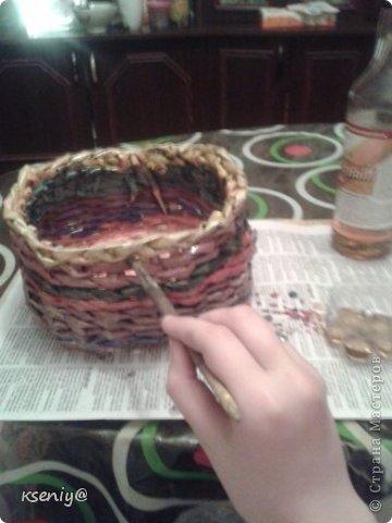 Коробочка плетение из газеты фото 2
