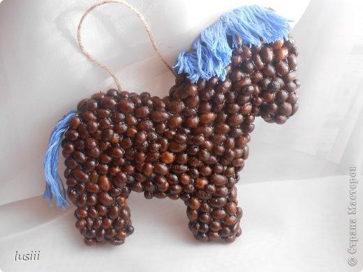 Здравствуйте!!! Сегодня у меня три кофейные работы. Лошадка символ будущего года,сердце и подкова. Приятного просмотра!!! фото 3