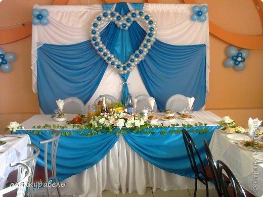 наш второй опыт в украшении свадьбы...По мне, так синий цвет к этому интерьеру не очень подходит... Но именно этот цвет выбрала невеста, несмотря на мои уговоры... фото 1