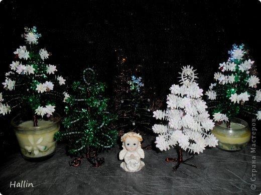 Наши ёлочки для подарков.  Но фото не может передать всей красоты! Ёлочки переливаются, снежок и ангелок беленькие и блестят!  фото 4