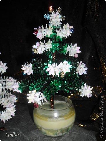 Наши ёлочки для подарков.  Но фото не может передать всей красоты! Ёлочки переливаются, снежок и ангелок беленькие и блестят!  фото 2