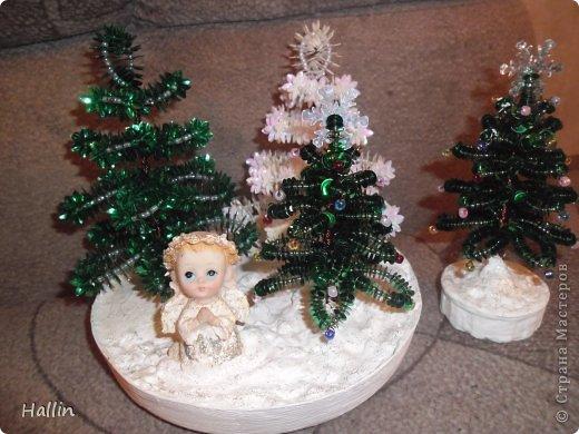 Наши ёлочки для подарков.  Но фото не может передать всей красоты! Ёлочки переливаются, снежок и ангелок беленькие и блестят!  фото 1