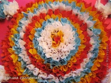 Открытка Поделка изделие Торцевание на пластилине Торцевание на пластилине Елочка солнце цветы Бумага Картон Пластилин фото 6