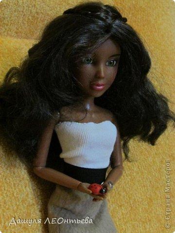 Моя новенькая кукла. Хотела купить для экспериментов, но слишком уж она симпатичная... Поэтому остановлюсь на одежде))  фото 1
