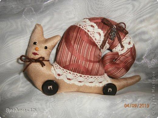 Моя первая и единственная кукла-тильда, которая шилась специально подруге на день рождения в пару к ананасу. фото 4