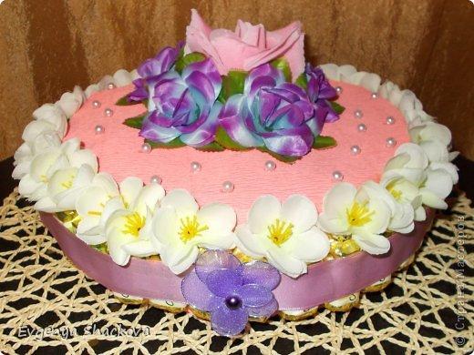 Вторым тортом из конфет я осталась довольна!)))Очень старалась)))Надеюсь вам тоже понравится))) фото 2