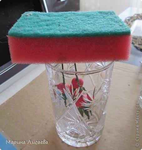 Ну вот я и решилась выложить МК по лепке шиповника. Сразу оговорюсь - я лепила его из глин Деко и Флер, но сделала ошибку -лепестки цветочка слеплены из Деко, но она не дает эффекта прозрачности лепестков. фото 16