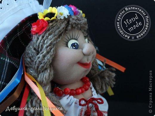 """Родину не выбирают! """"Украиночка"""" приносит удачу и поддержку тем, кто по каким-то причинам оказался далеко от Украины, но иногда тоскует по родной стороне. А еще - туристам, которые побывали в нашей прекрасной стране и мечтают приехать сюда еще раз.  Очередная куколка - """"Украиночка-7"""". (да-да, уже седьмая по счету!"""" Сделана в подарок моей любимой свахе. фото 2"""
