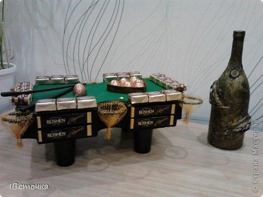 По случаю юбилея у брата соорудила такой столик. может кому-то будет интересен мой вариант украшения фото 11